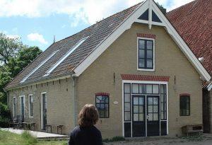 Het Koetshuis waar Geldof c.s. gevestigd is (mei 2009)